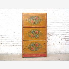 China Shoe cabinet decorated with Tibetan motifs yellow