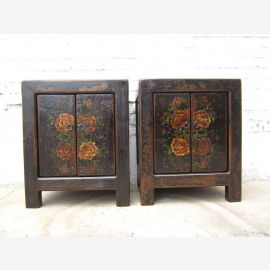 2x Chinese nightstands