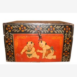 China 1940 petite chest jewelry with pretty painting