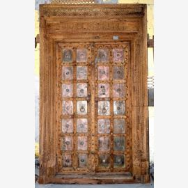 First class wooden door from India with inlays refined.