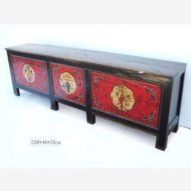 Chinesisches Sideboard aus Vollholz in traditioneller Farbgebung
