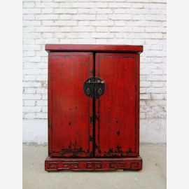 China Colonial small chest of drawers pine with Metallbeschägen