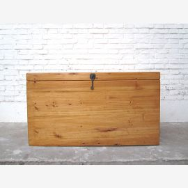 Cat toilet in natural wood look large chest country-style metal fitting entrance to the right only by  Luxury Park