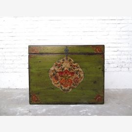 Cat Hygiene little green chest floral paintings access right only by  Luxury Park