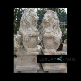Magnificent lion sculpture on base brown marble Steinmetz